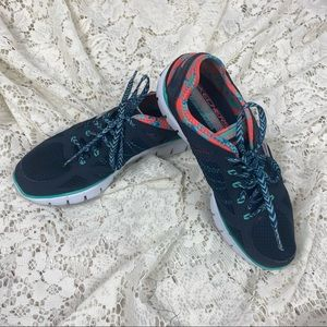 Skechers Relaxed Fit Ultimate Reality Sneakers